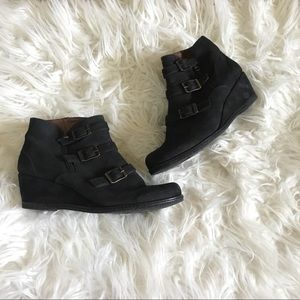 Eric Michael Nordstrom Suede Ankle Booties 9.5/10